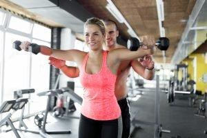 Fitnessübungen Schultern